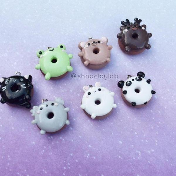 Tiny kawaii animal donuts polymer clay charms| animal donut stitch markers| kawaii clay pendants| koala| bear| panda| deer| frog| bunny| cat